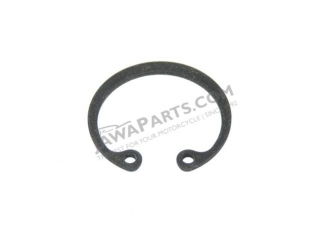 Safety ring D32, Securing of wheel bearing - JAWA 50 Pionýr
